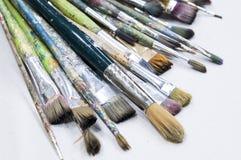 Alte Bürsten für das Malen Stockfoto