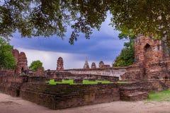 Alte Backsteinmauer in ayuthaya Welterbestätte von UNESCO-Zentrale Lizenzfreie Stockfotografie