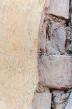 Alte Backsteinmauer des Schlammes Lizenzfreies Stockfoto