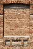Alte Backsteinmauer für des Hintergrundes, Roter und Brauner Farbe der Beschaffenheit oder, Bauelemente als Ziegelstein füllte Fe Stockfoto
