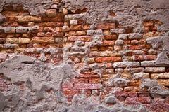 Alte Backsteinmauer für Hintergründe Stockfoto