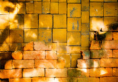 Alte Backsteinmauer ist Hintergrund Lizenzfreie Stockfotografie