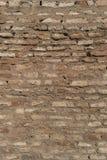 Alte Backsteinmauer mit Sprüngen und Kratzern Rastre Bild Stockfotos