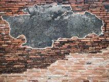 Alte Backsteinmauer mit Zement Stockfotos