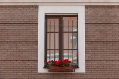 Alte Backsteinmauer mit Ziegelstein gefülltem Fenster Lizenzfreie Stockbilder
