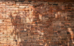 Alte Backsteinmauerhintergrundbeschaffenheit, Hintergrundmaterial des IndustrieHochbaus Stockbilder