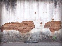 Alte Backsteinmauern geknackt Stockfoto