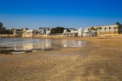 Alte Badeanstalt auf dem Strand von 'La Caleta', eins des meisten famou Lizenzfreies Stockfoto