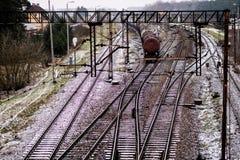 Alte Bahn am Bahnhof Winterlandschaft von Bahn-trac Lizenzfreies Stockfoto