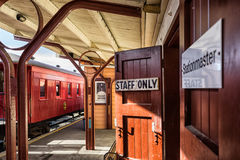Alte Bahnstation Lizenzfreie Stockfotos