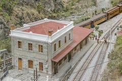 Alte Bahnstation Alausi Ecuador Stockbild