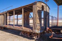 Alte Bahnstation in Bolivien-Wüste Stockbilder