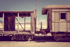 Alte Bahnstation in Bolivien-Wüste Stockbild
