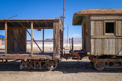 Alte Bahnstation in Bolivien-Wüste Stockfoto