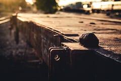 Alte Bahnstationsweinleseart stockfotos