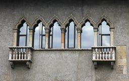 Alte Balkone in Verona Stockbild