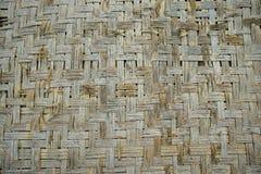 Alte Bambuskorbwarenmatte handgemacht stockfoto