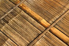 Alte Bambuswand Und Bodenholz lizenzfreie stockfotografie