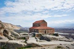 Alte Basilika an Uplistsikhe-Höhle Stockbild
