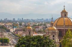 Alte Basilika von Guadalupe Stockbilder