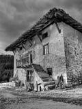 Alte baskische Bauernhofhausfassade Lizenzfreie Stockfotos