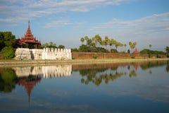 Alte Bastion und ein Verteidigungswall der alten Stadt Mandalay, Myanmar Stockbilder