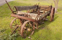 Alte Bauernhof-Maschinerie Stockbilder
