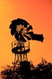 Alte Bauernhof-Windmühle Lizenzfreie Stockbilder