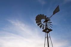 Alte Bauernhof-Windmühle Lizenzfreie Stockfotografie