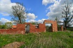Alte Bauernhofruinen in Polen Lizenzfreie Stockfotos