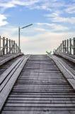 Alte Bauholz-Brücke Lizenzfreies Stockbild