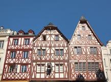 Alte Bauholzfeld Häuser am Trier Stockbilder