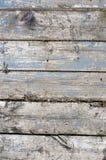 Alte Bauholzwand Die alte natürliche Wand, die von den Klotz errichtet wurde, legte horizontales Lizenzfreie Stockbilder