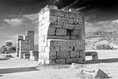 alte Bauspalte und das römische Tempelgeschichte-pamukkale Stockfotografie