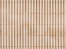 Alte beige Wand von Betonblöcken Stockfotografie
