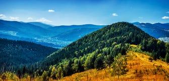 Alte belle montagne Immagine Stock Libera da Diritti