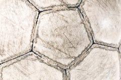 Alte benutzte Fußballkugel Stockfotografie