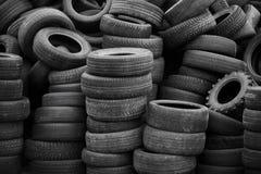 Alte benutzte Reifen Stockbilder