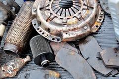 Alte benutzte schmutzige Autoteile Stockfoto