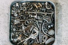 Alte benutzte Werkzeuge in den Kästen Lizenzfreies Stockfoto