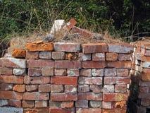 Alte benutzte Ziegelsteine Stockbilder
