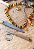 Alte bernsteinfarbige Halskette Stockbilder