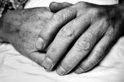 Alte betende Hände Lizenzfreie Stockbilder