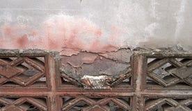 Alte Betonblockwand und gebrochen Lizenzfreies Stockbild