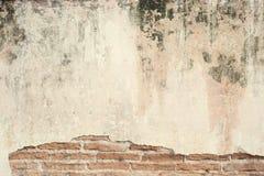 Alte Betonmauer für Architektur und Badekurort Stockbilder
