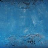 Alte Betonmauer gemalt mit blauer Farbe Stockfotos