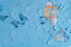 Alte Betonmauer malte blaue Farbcracker, Steinoberfläche, wa Lizenzfreies Stockfoto