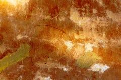 Alte Betonmauer mit Sprüngen Stockbild