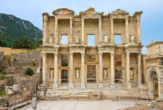 Alte Bibliothek von Celsus Stockbild