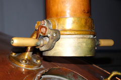 Alte Bierherstellungsmaschinerie Lizenzfreies Stockbild